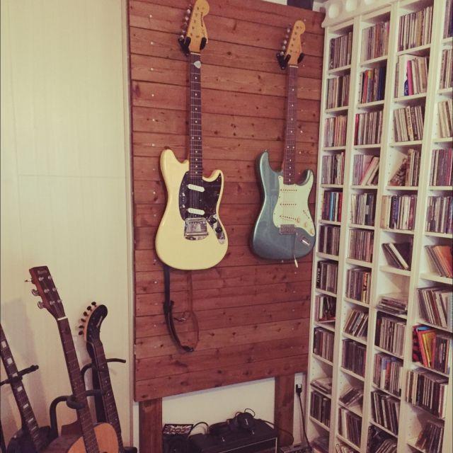 ディアウォールにギターハンガーで収納