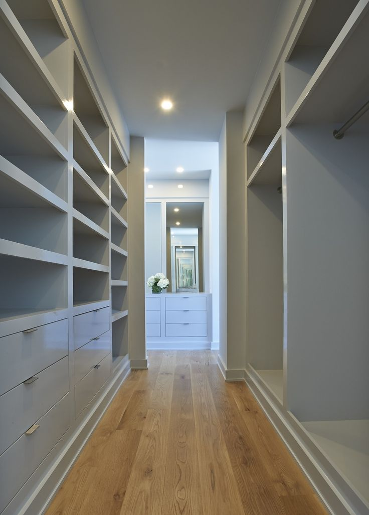Walk In Closets That Are The Definition Of Organization: 1000+ Ideas About Narrow Closet On Pinterest