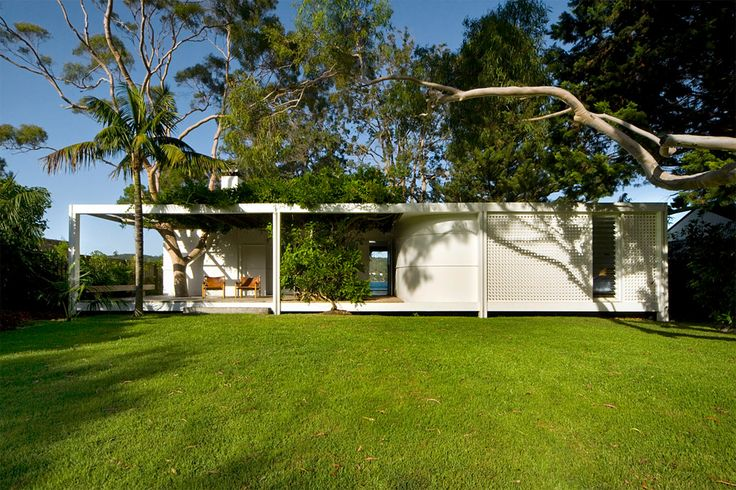 Recycled Fibro Cottage by Michael Dysart and Partners P/L