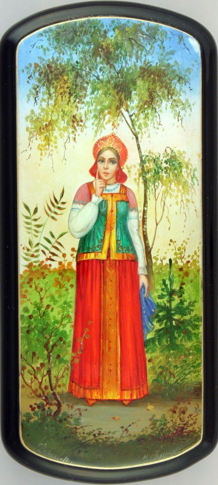 Russian lacquer miniature from the village of Fedoskino. A Russian beauty in a traditional attire and in a kokoshnik headdress.