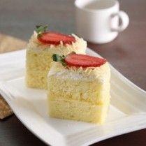 CAKE KEJU KUKUS http://www.sajiansedap.com/recipe/detail/15159/cake-keju-kukus