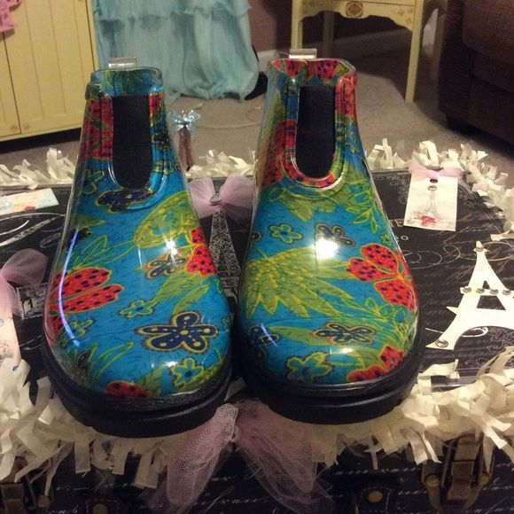 Sloggers rain boots NWOT Sloggers rain boots brand new no tags NWOT Sloggers  Shoes Winter & Rain Boots