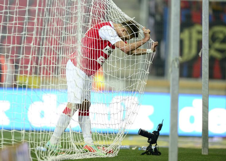 Slavia Praha striker Milan Škoda laments a missed chance during the Prague derby against Sparta Praha at Eden on September 27th, 2014.