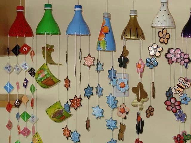 Con botellas de plastico se pueden hacer unos hermosos colgantes