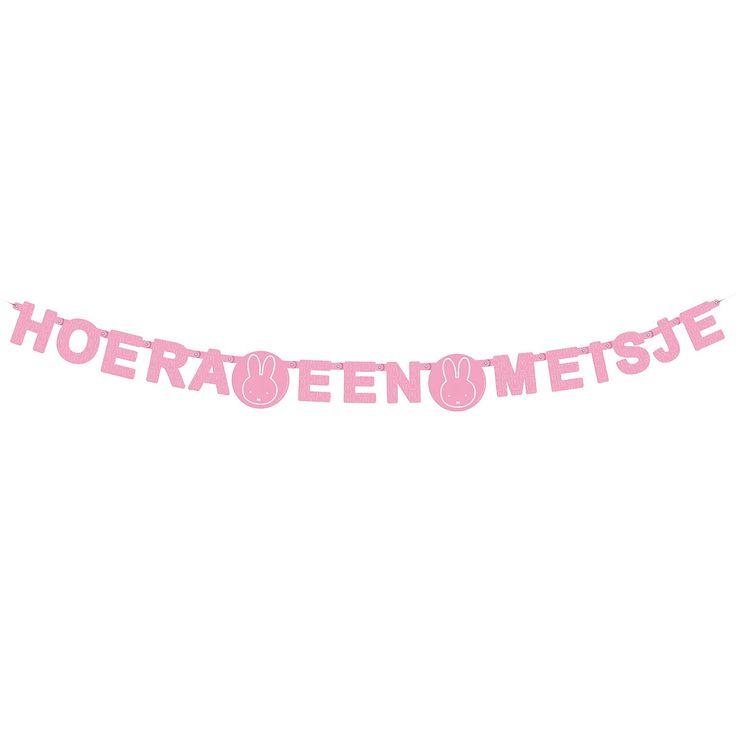 Trotse ouder van een dochter geworden? Breng de kamer in stijl met deze baby-roze Guirlande Hoera een Meisje van Nijntje. Afmeting: lengte 166 cm - Guirlande Nijntje - Hoera een Meisje