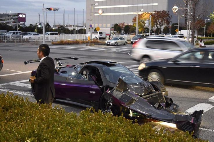 One-off Pagani Zonda ZoZo faces horrible crash in Japan
