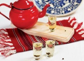 Ţuică fiartă Băutură tradiţională. Rețete de cocktailuri, Romaneasca, Reţete de băuturi, Reţete cu cuişoare, Rețete cu 5 ingrediente sau mai puțin, Rețete sub 20 de minute, Pentru familie, Rețete pentru masa de Crăciun