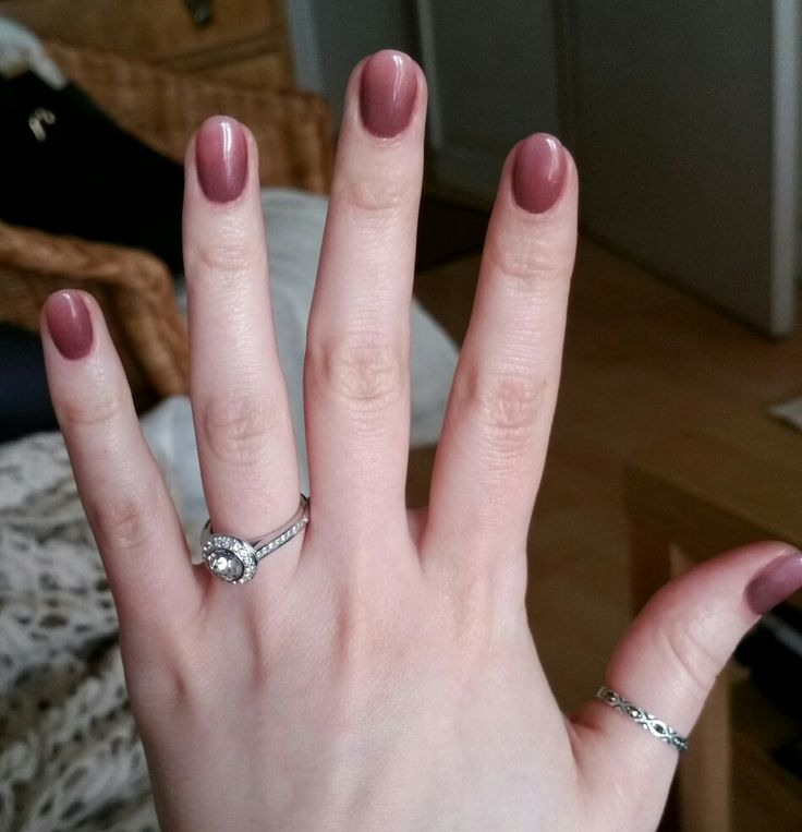 Brown to nude ombre shellac