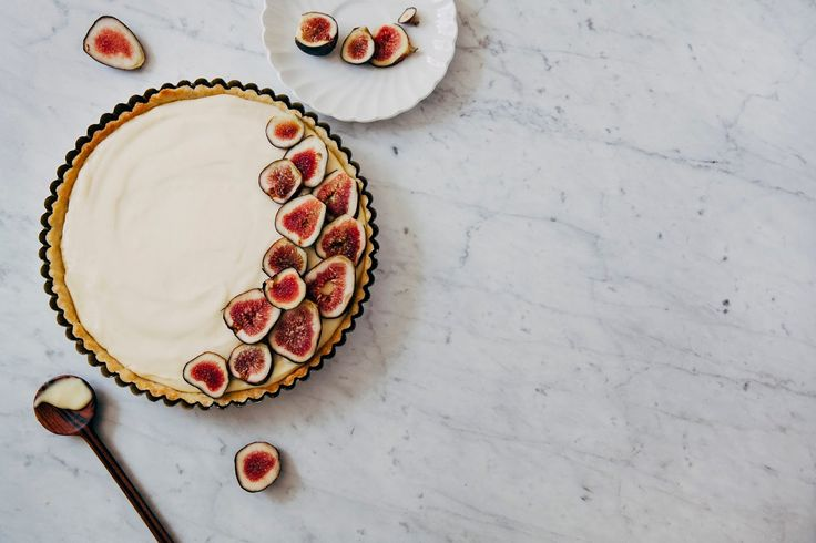 fresh fig and lemon cream tart - hummingbird high || a desserts and baking blog