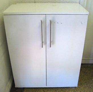 $30 WHITE CUPBOARD 3 Shelves Storage 61x32x78cm Text 0411691171 or email info@bitspencer.com
