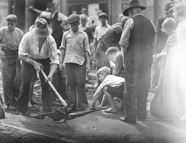 Block boys at St Peters 22 April 1935
