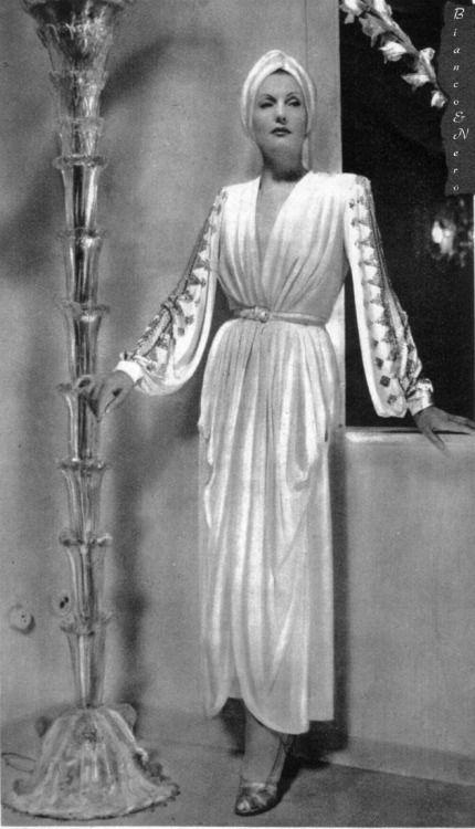 Isa Miranda dressed by Emilio Schuberth