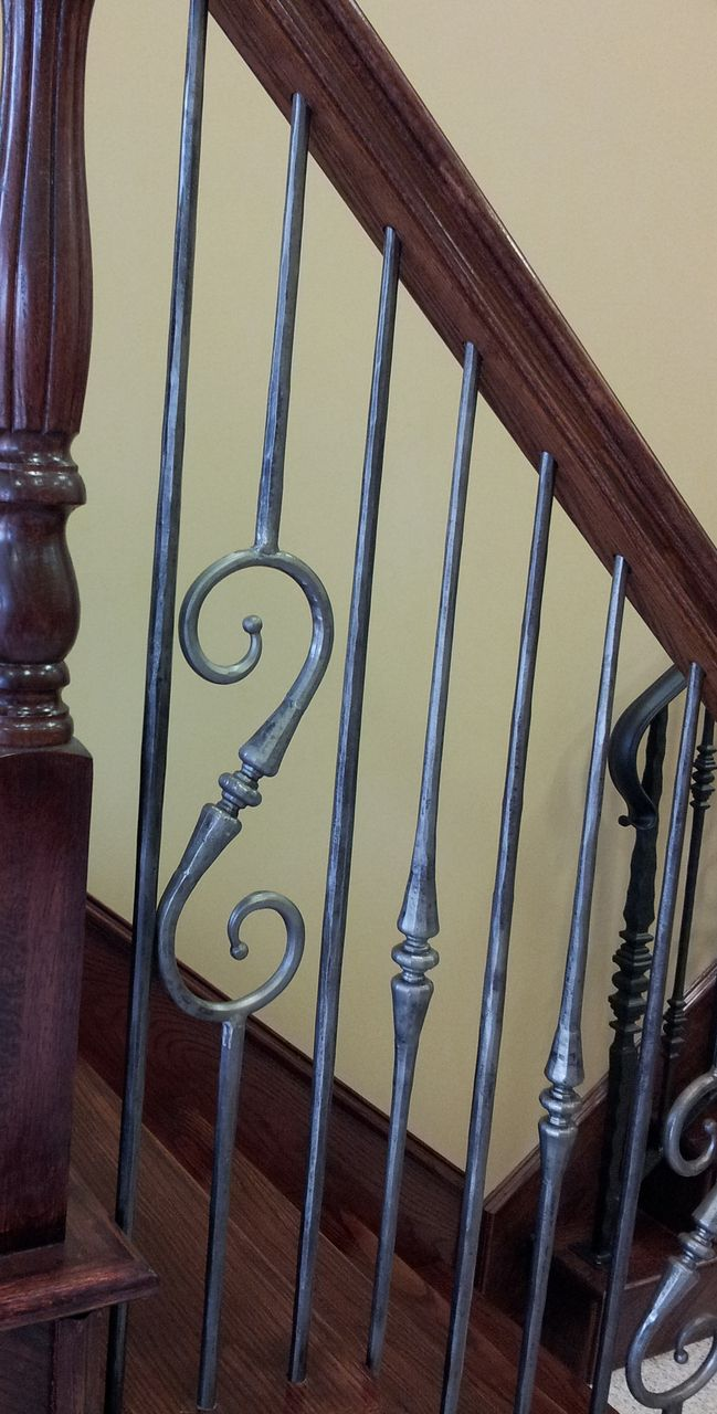 Best 2 6 9 Single Tapered Knuckle Scroll Iron Baluster Iron 400 x 300