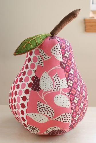 Pear pincushion.....or xmas tree ornament.....or blow up pattern for fun pillows for the bedromm.....oh joy!