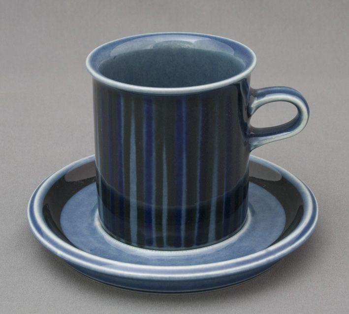 Arabia, kahvikuppi, sininen Kosmos, Gunvor Olin-Grönqvist