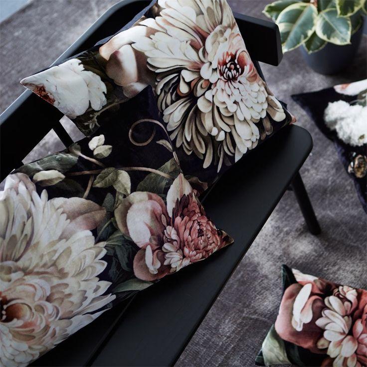 Dark Floral Ii Black Saturated Xl Wallpaper: 136 Best Images About { Ellie Cashman Wallpaper } On