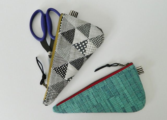 s.o.t.a.k handmade: scissors cozy {tutorial}  I've had one of these made for me and they are so clever and useful