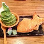 鯛福茶庵 八代目澤屋 - 料理写真:鯛焼きとソフトクリーム