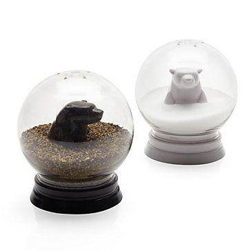 Maudjesstyling: Z Gallerie - Snowglobe Salt  Pepper Set