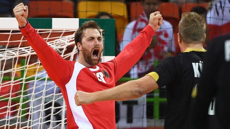Deutsche Handballer bezwingen Polen: Torhüter Wolff sorgt für Olympia-Ekstase