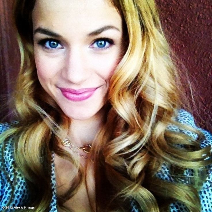 Alexis Knapp aka Stacie from Pitch Perfect :)