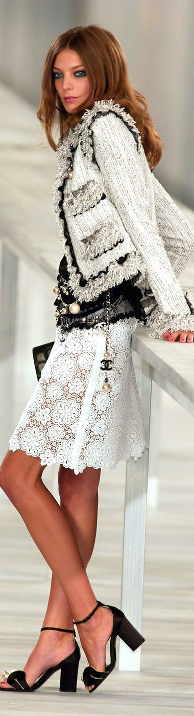 Chanel at Paris Spring 2004                                                                                                                                                                                 More