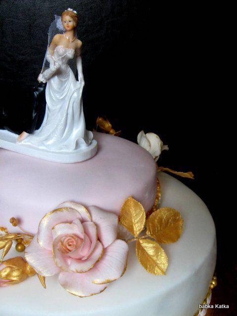 Pink gold roses wedding cake