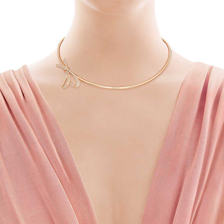 Collana Tiffany Bow in oro rosa 18k con diamanti.