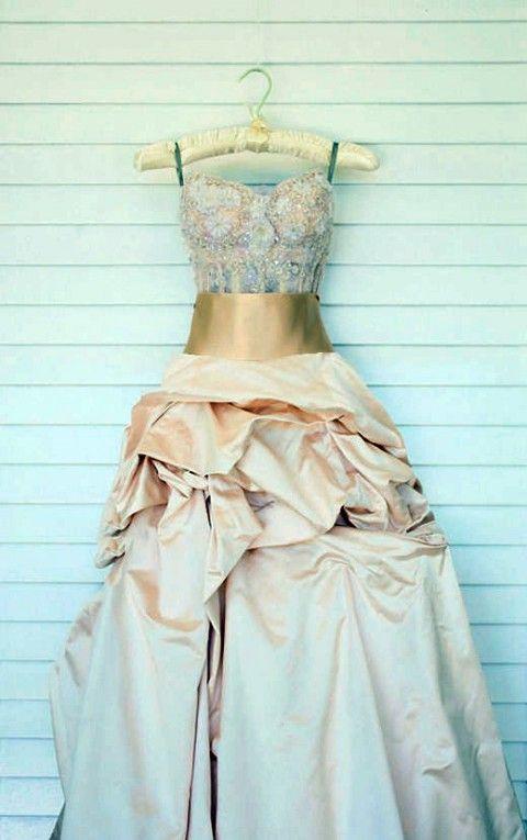 82 Subtle Blush And Gold Wedding Ideas | HappyWedd.com