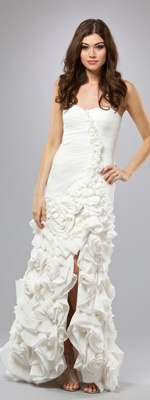 White Pleated & Gathered Rose Applique Sweetheart Fitted Wedding Dress