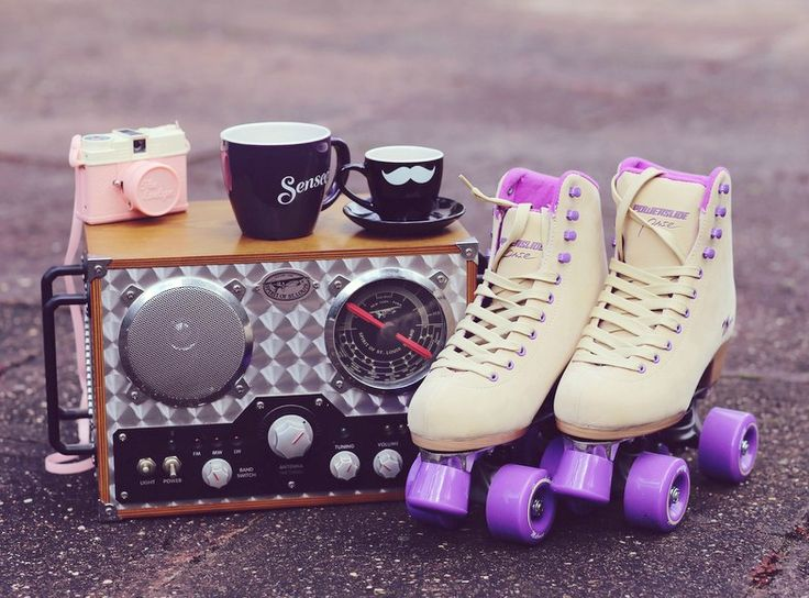Kaffee Moment, I heart coffee, retro Rollschuhe, retro roller blades, old school Rollschuhe, Schnurrbart Tasse, Mustache cup, Like A Riot, Decor Ideas