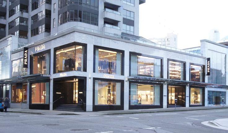 Prada - #glass external glazing. #vetro #luxury #boutique #store #fashion