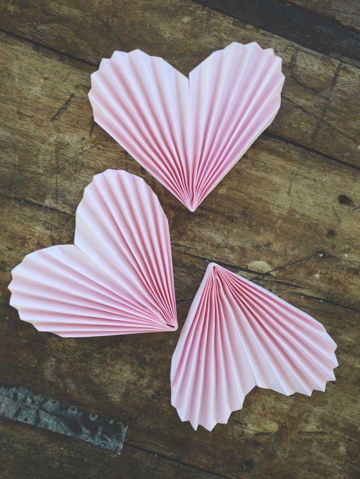 Valentine's Day Garland / Alla hjärtans dag pyssel