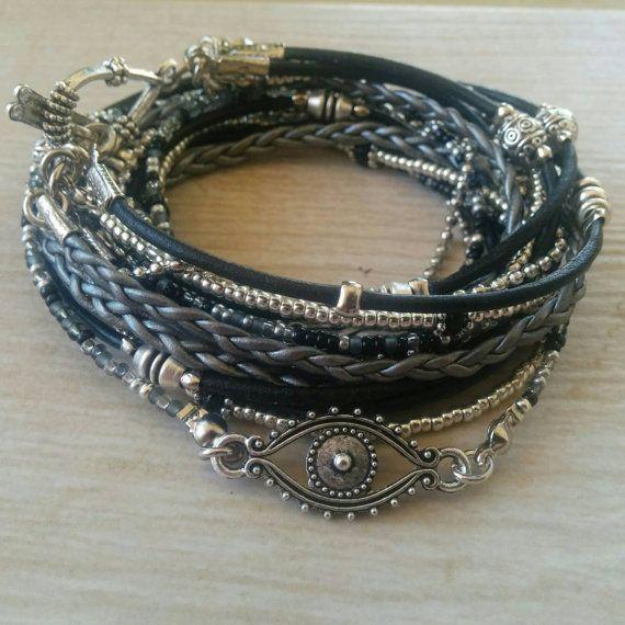 Bracelet Evil Eye / / multirang Bracelet en cuir / par DesignsbyNoa