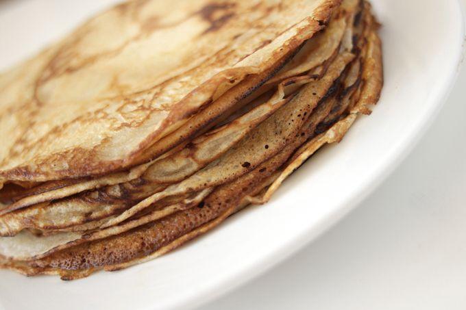 Pandekager opskrift? Nap opskriften på disse nemme pandekager. Har du lyst til noget lækkert lige nu? Pandekager kræver en nem opskrift. Tynde, sprøde mmm.