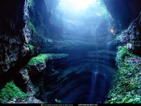 Cueva Sotano de las Golondrinas,Mexico.