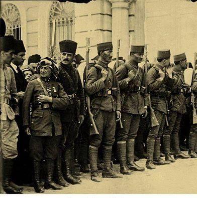 Kurtuluş Savaşı'nde cephede erkekler gibi savaşan Yiğit Türk kadını Kara Fatma, 1923...
