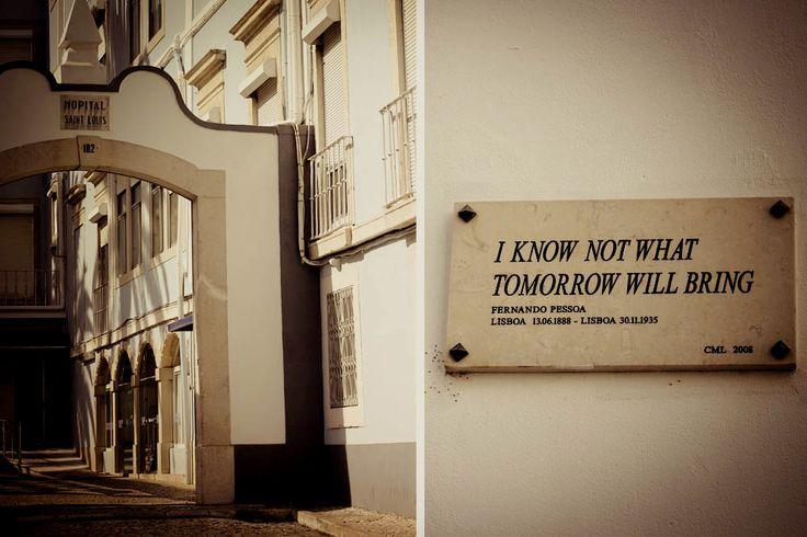 Placa onde Fernando Pessoa morreu | Lisboa