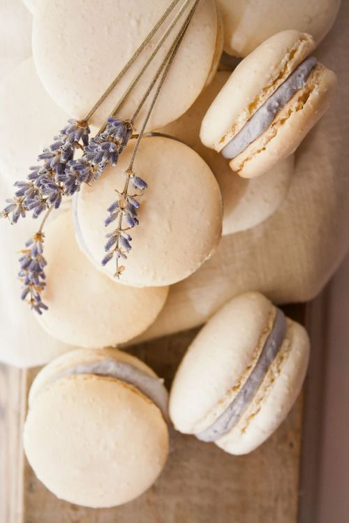 Peone: Honey Lavender Macarons. I love the idea of having lavender macaroons at each table.
