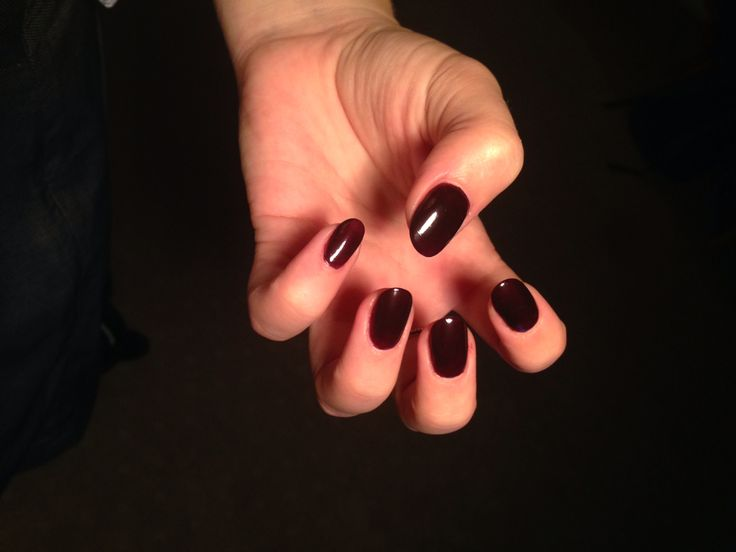 OPI Give me moor. Darkest purple. Rounded. 091014