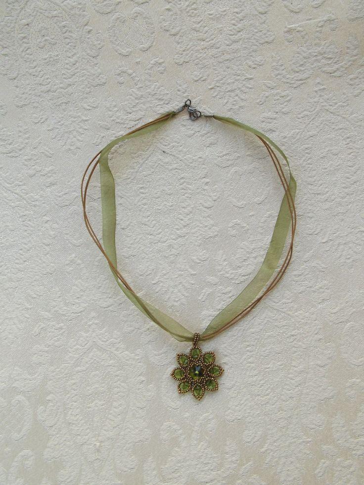 Zöld Ary medálos nyaklánc