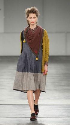 grey, light grey, reddish brown and greeny yellow.  I like!