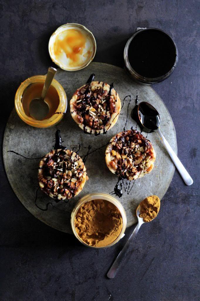 Fine æblekager med lakrids og marcipan
