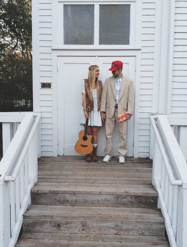 Couples Halloween Costume - Forrest and Jenny - Forrest Gump - Halloween - Costume - Halloween ideas - Costume ideas - Last minute Halloween