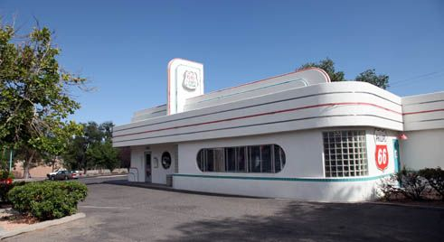 The 66 Diner in Albuquerque. Probably the most beautiful diner along Route 66! Source: http://www.route66guide.com
