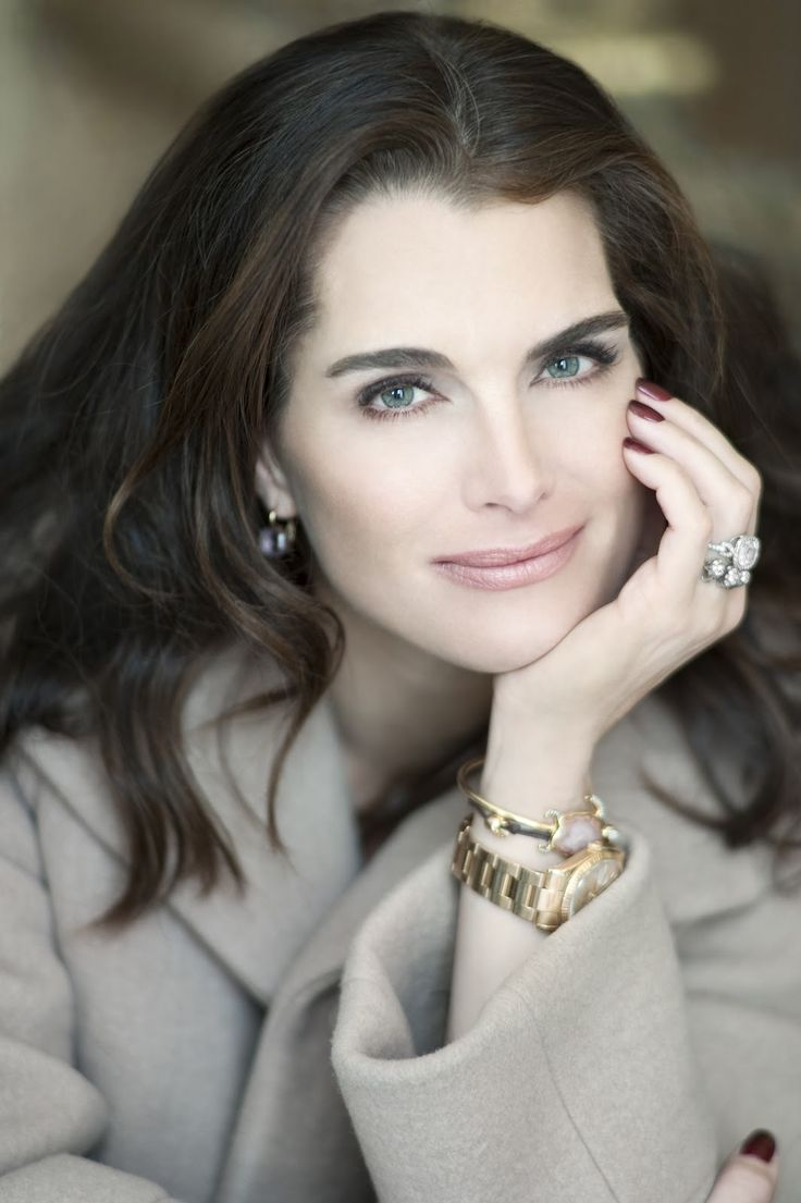 Brooke Shields. She's just the best ! She'll be 50 next year.