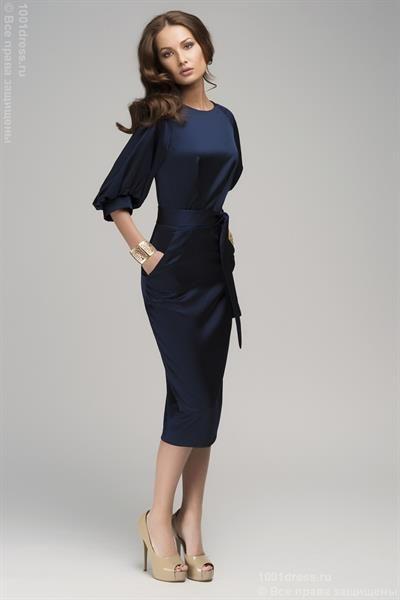 Темно синее платье с поясом