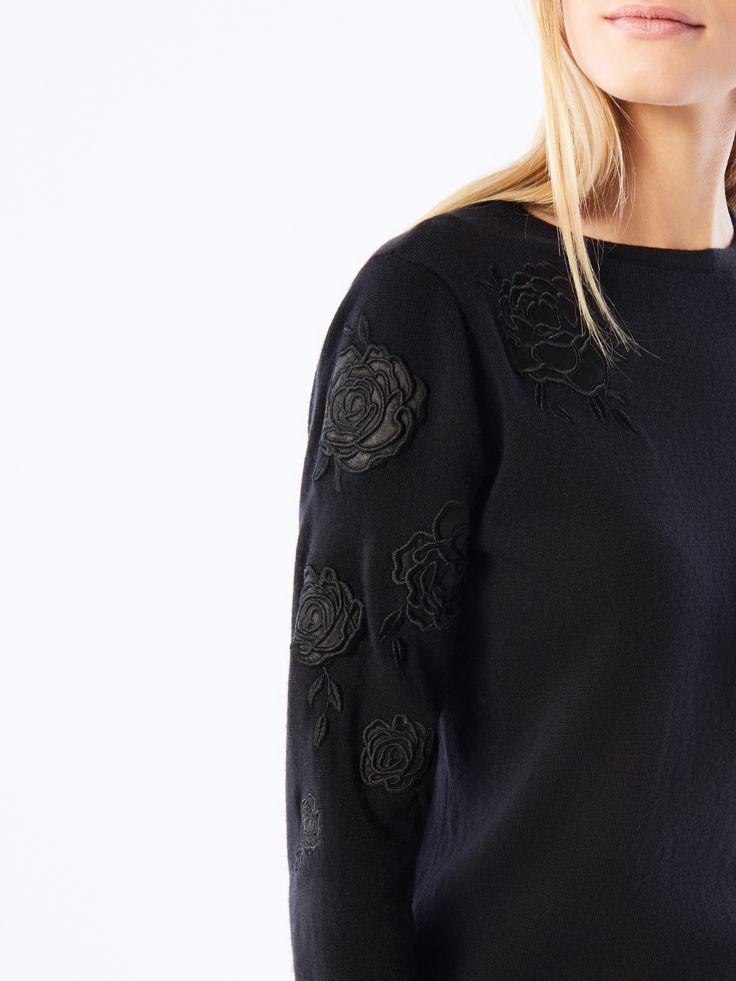 Wełniany sweter z haftem, Nowości, czarny, MOHITO