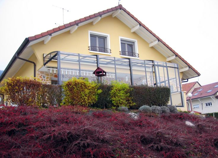 Posuvné zastřešení terasy CORSO výrazně zvyšuje tepelnou izolaci přilehlé stěny.