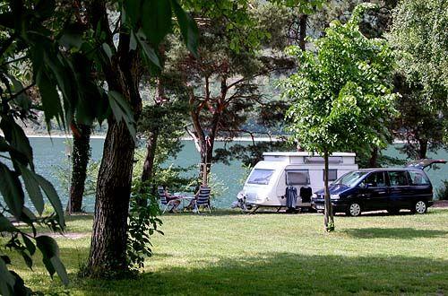 italie : camping belvedere aan idromeer  (1050 km vn BXL)